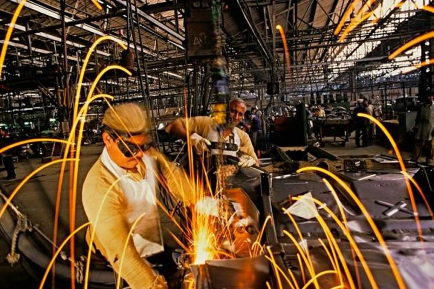 At 0.5 %, Industrial Growth Falls To 17-Month Low In November
