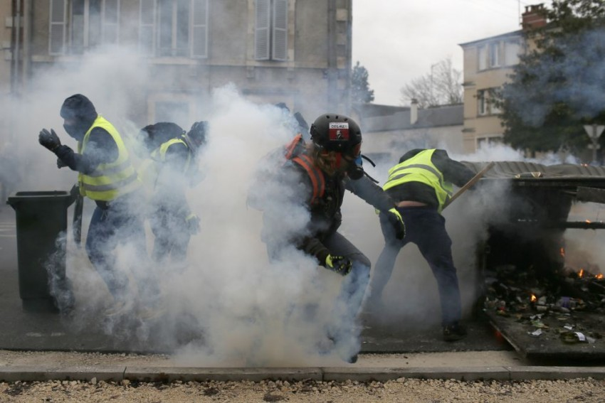 Thousands Of Demonstrators Turn Up For 9th Round Of 'Yellow Vest' Protests Across France