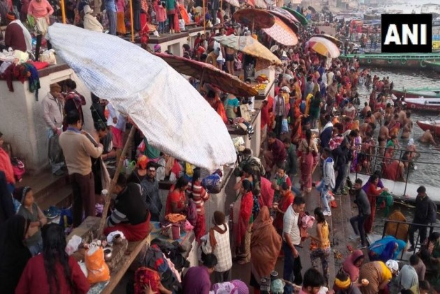 <em>Swachh Kumbh</em> Falls Flat As Thousands Of Toilets Go Non-Functional On Day 1