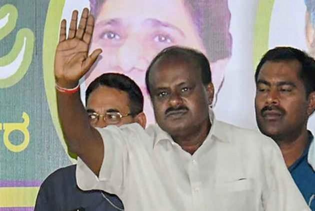 Karnataka Political Turmoil: CM Kumaraswamy Says No Threat To His Government
