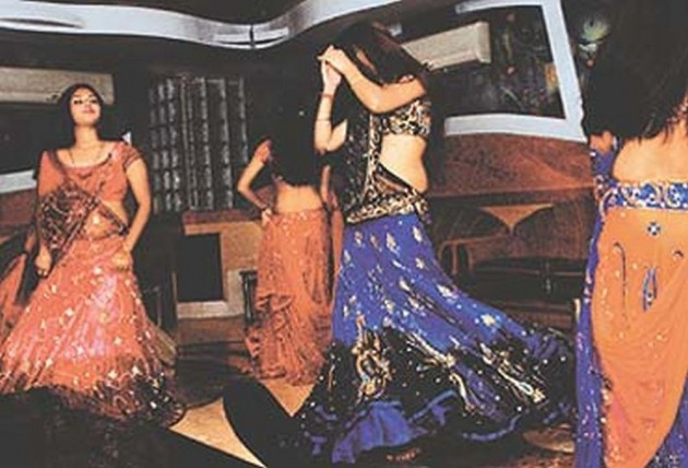 SC Allows Tips To Bar Dancers But Bars Showering Of Currency Notes