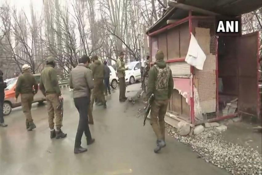 J&K: 2 Cops Injured In Grenade Attack At Srinagar's Zero Bridge