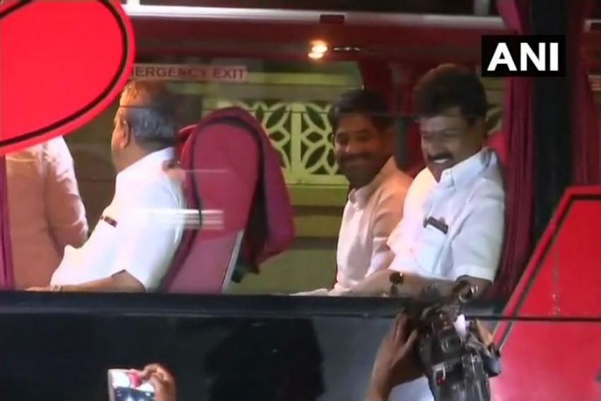 Karnataka: Congress Packs MLAs In Resort, Alleges Poaching Attempts By BJP