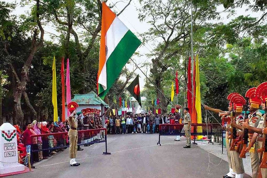 Photo Feature   Wagah Of The East