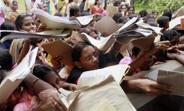 7000 Applicants For 13 Canteen Waiter Posts In Maharashtra Secretariat, Most Of Them Graduates