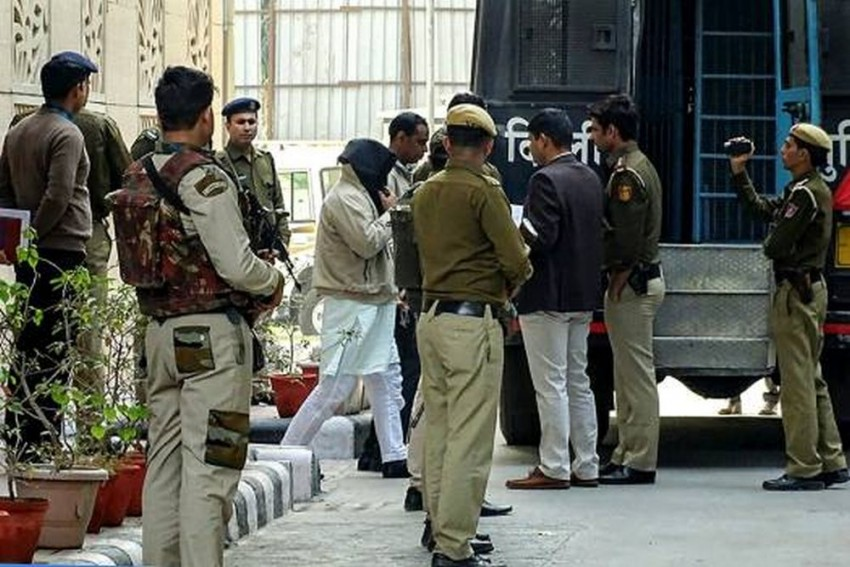 Nine Including 17-Year-Old Arrested In Maharashtra For Alleged ISIS Link