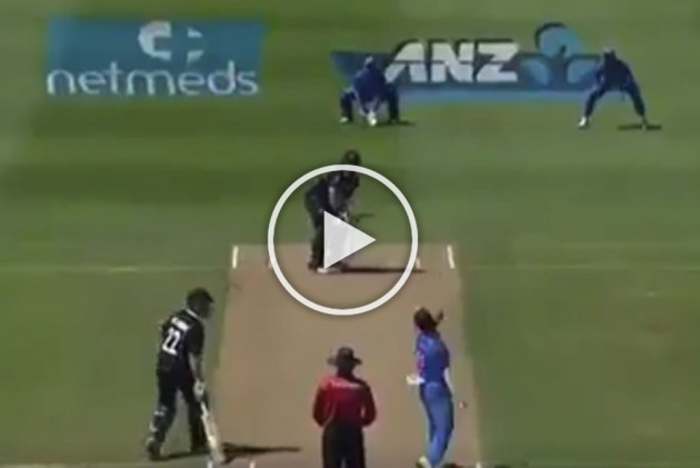 Mohammed Shami Beauty Leaves Colin Munro Clueless – WATCH