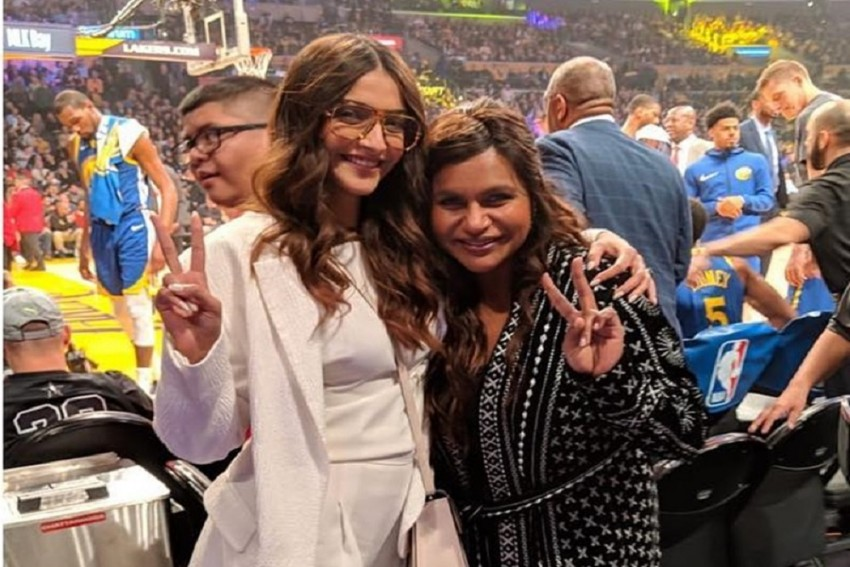 Sonam  Kapoor Bumps Into Mindy Kaling In Los Angeles