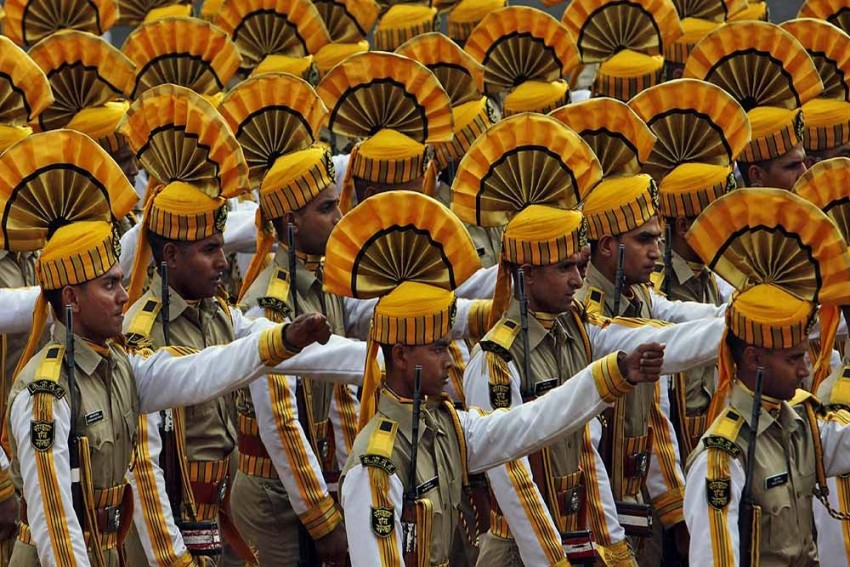 Republic Day: CISF Jawan Awarded For Saving Minor From Falling Off A High-Rise In Ghaziabad