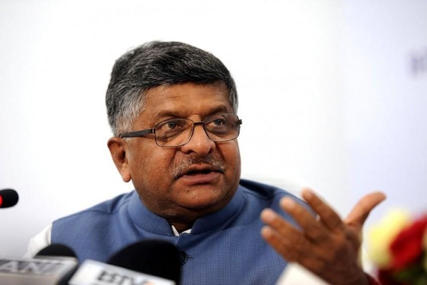 After EVM Hacking Claims, Ravi Shankar Prasad Backs Election Commission