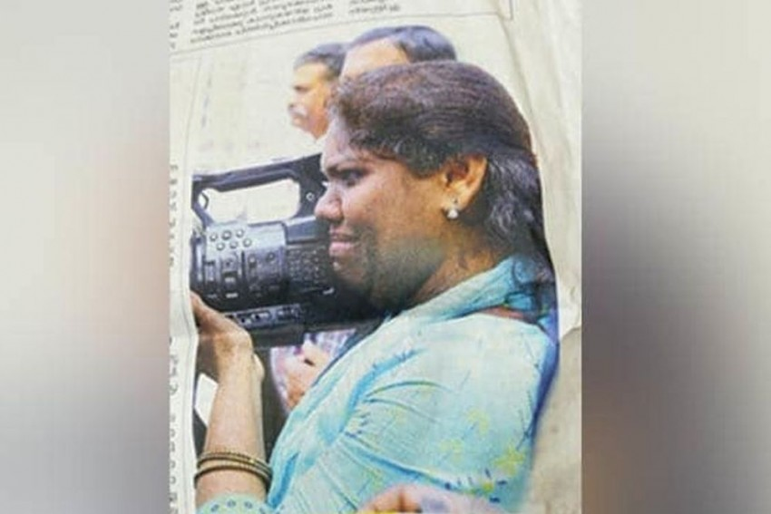 Kerala Woman Kept Her Camera Rolling Even After Being Attacked By Sabarimala Protesters