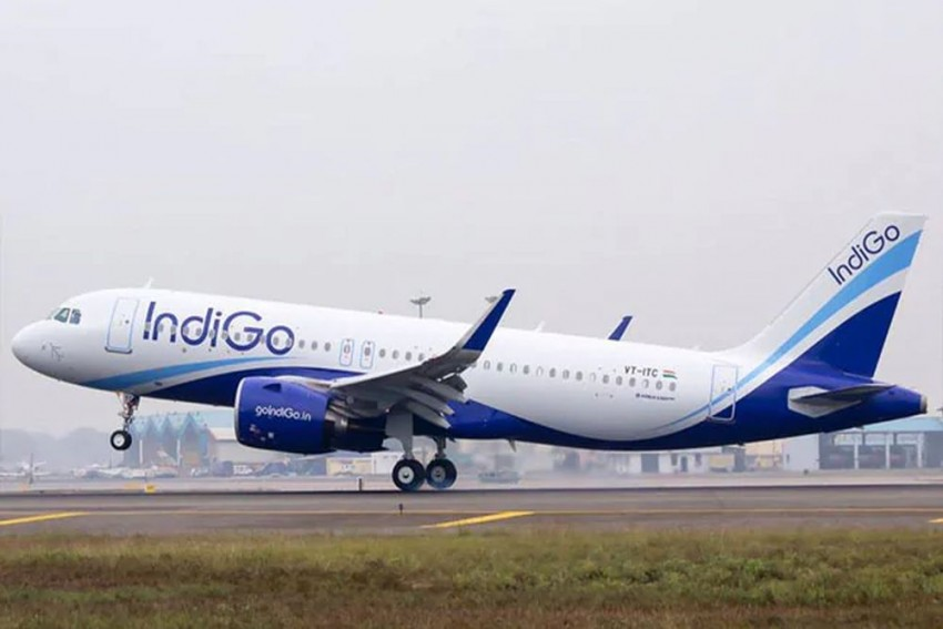 'Loud Bang, Sparks And Smoke': IndiGo Plane Suffers Mid-Air Engine Failure, Govt To Review Incident