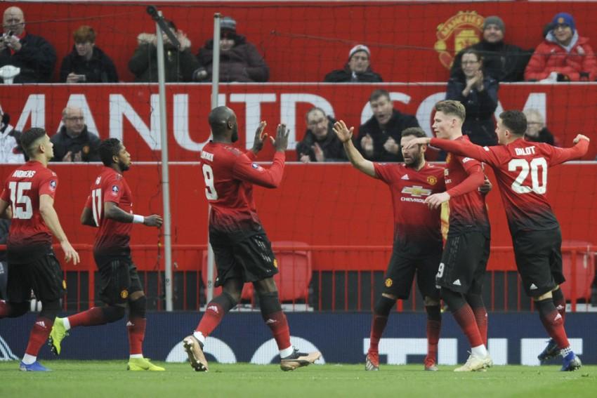 Make Manchester United Great Again, Alex Ferguson Tells Players