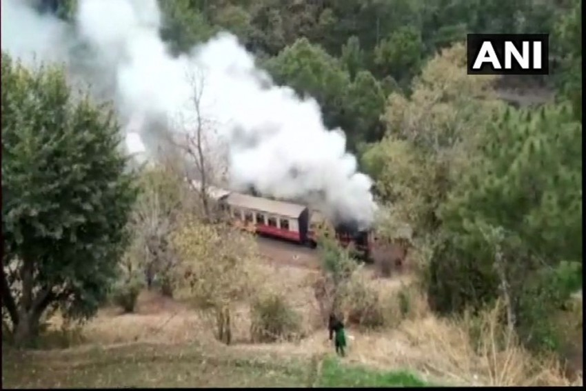 Shimla-Bound Himalayan Queen's Engine Catches Fire