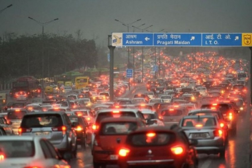 Passenger Vehicle Sales Fall For 11th Consecutive Month, Drop By 24% In September