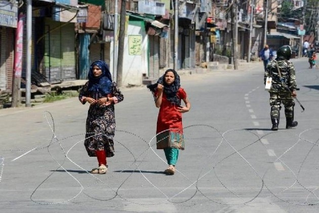 68 Days After Communication Blackout, Postpaid Mobile Service Likely To Resume In Kashmir From Saturday