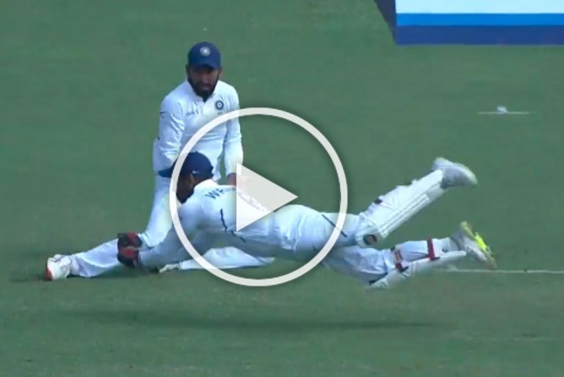 IND Vs SA, 2nd Test: Virat Kohli, Wriddhiman Saha Compete For Best Catch Of The Match - WATCH