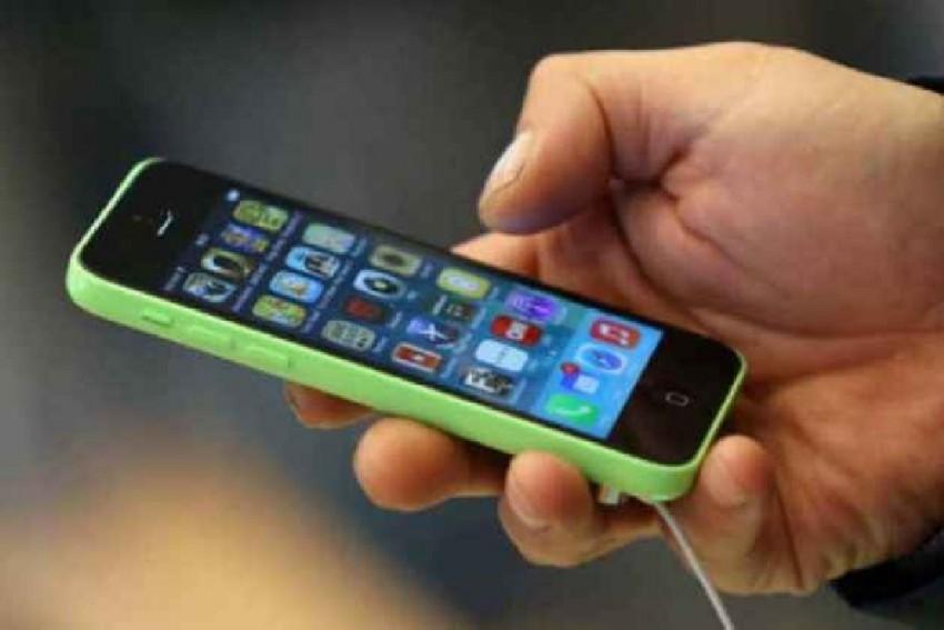 Uttar Pradesh Govt Bans Mobile Phones In Colleges, Universities