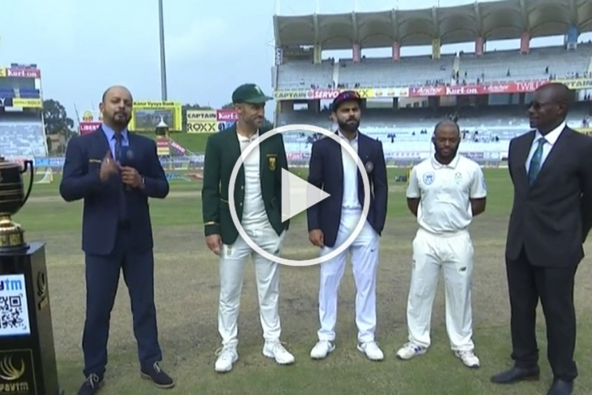 IND Vs SA, Ranchi Test: Oh, Poor Faf Du Plessis! Even With His Proxy, South Africa Captain Can't Beat Virat Kohli - WATCH Rare Cricket Moment