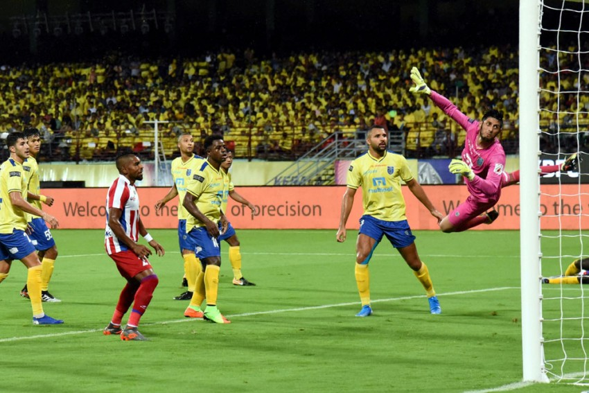 Indian Super League Highlights: Bartholomew Ogbeche Double Seals 2-1 Win For Kerala Blasters Over ATK In Thrilling Opener