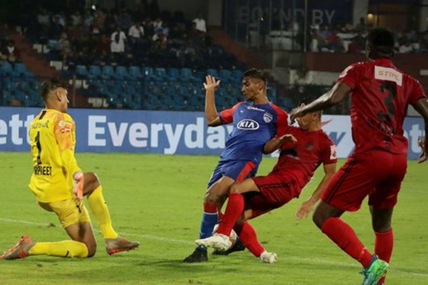 ISL 2019-20, Match 2: Defending Champs Bengaluru FC Play Goalless Draw With NorthEast United