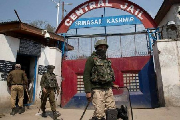 In Kashmir, Freedom From Detention Comes At The Cost Of Silence On Article 370