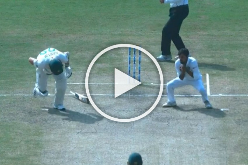 IND Vs SA, Ranchi Test: India Complete Their Biggest Win Over South Africa With The Most Strange Dismissal - WATCH