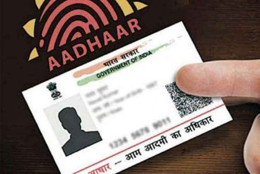 PIL In Delhi HC To Link Social Media Accounts With Aadhaar To Curb Fake, Paid News
