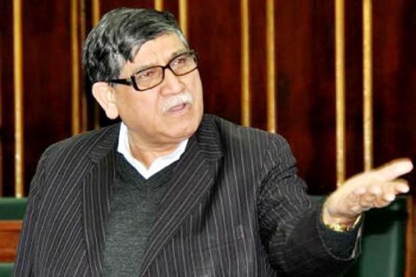Farooq Abdullah's Brother & Sister Not Free, Govt Statement False: Akbar Lone