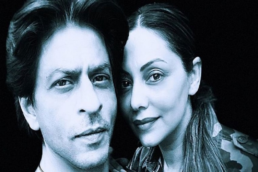 Shah Rukh Khan Shares Monochrome Photo With Gauri Khan On Wedding Anniversary; Says 'Seems Like Yesterday'