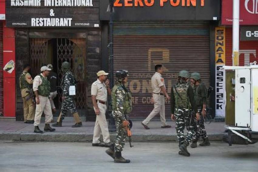 6 CRPF Personnel Injured As Militants Hurl Grenade In Srinagar