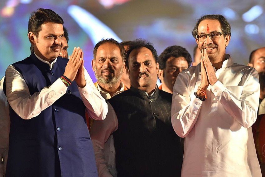 Maharashtra Govt Formation: Locked In Power Tussle, BJP, Sena Try To Win Over Independent MLAs