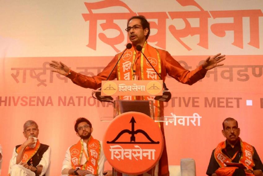 'Itna Sannata Kyon Hai Bhai?' Shiv Sena Targets BJP On Indian Economy