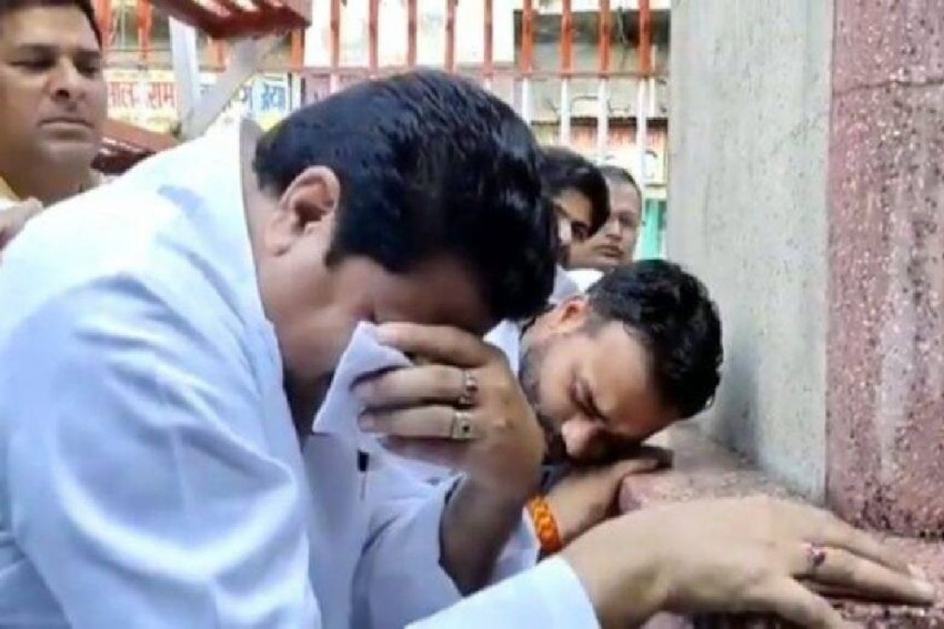 'Bapu, Why Did You Leave Us?': Samajwadi Party Leader Feroz Khan Cries His Heart Out On Gandhi Jayanti