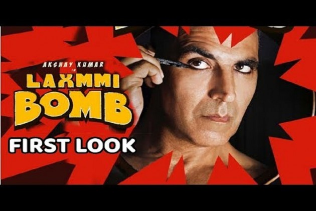 Laxmmi Bomb: Akshay Kumar Bows To His Inner Goddess This Navratri As He Wows Us With His Terrific Look