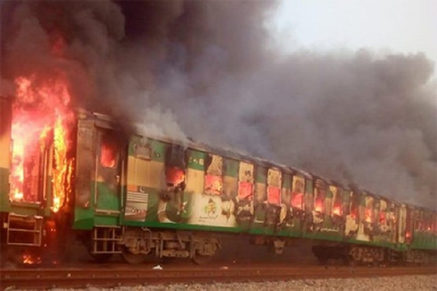 73 People Killed In Massive Fire On Train In Pakistan