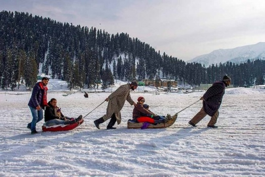 Restrictions To Be Lifted, Tourists To Return To Jammu And Kashmir From Oct 10