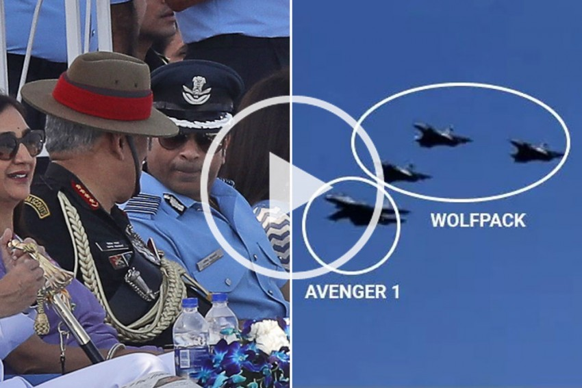 Air Force Day Videos: Tendulkar Thanks Indian Soldiers Even As Sukhoi Jet 'Shot Down' By Pakistan Makes Appearance