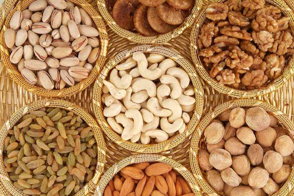 Why Nutritionists Go Ga Ga Over Nuts