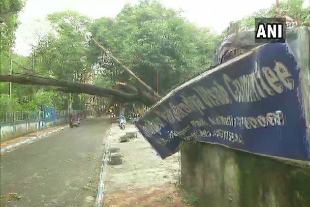 3 Dead In West Bengal, Odisha; Cyclone Bulbul Moves To Bangladesh