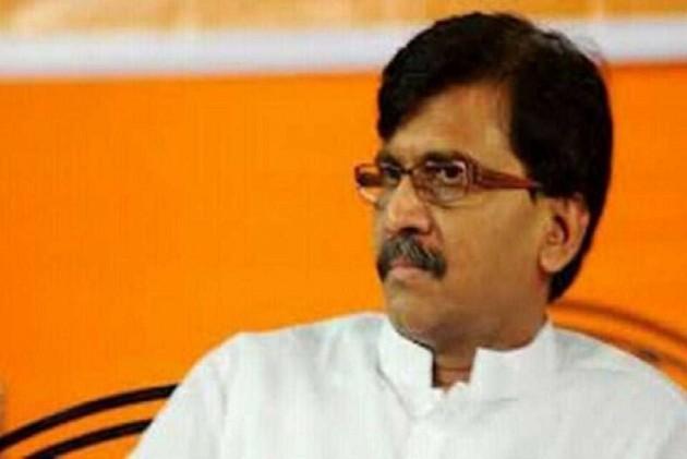 '<em>Tumhari Daulat Nayi Hai</em>': Sena's Raut In A Veiled Attack At Devendra Fadnavis