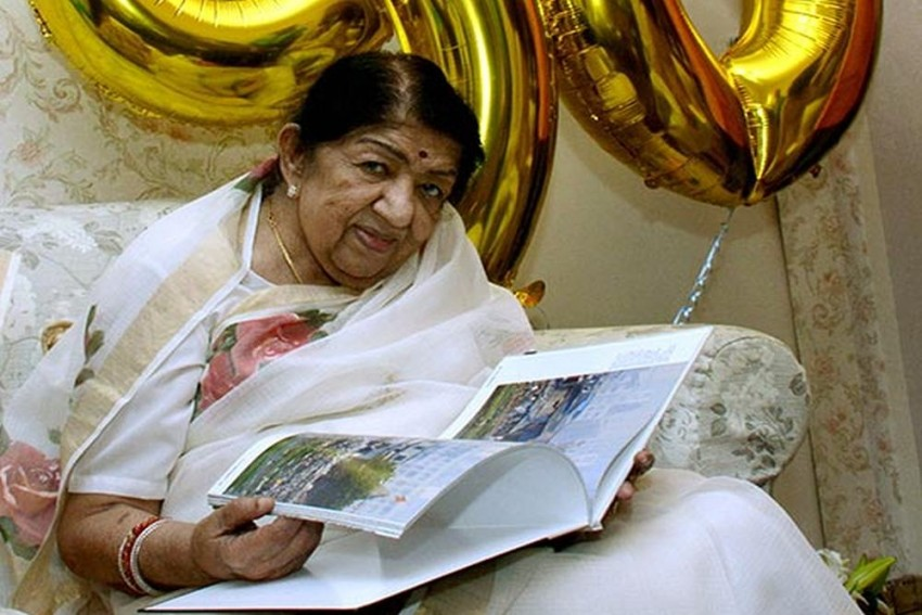 Lata Mangeshkar Admitted To Hospital After Breathing Difficulties, Family Says She Is Recovering