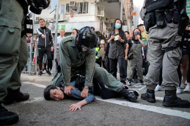Hong Kong Police Shoot Protester As Flash Mob Rallies Target Rush Hour