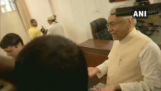 '<em>Ismein Humko Kya Matlab Hai</em>': Quips Nitish Kumar On Sena-BJP Tug-Of-War