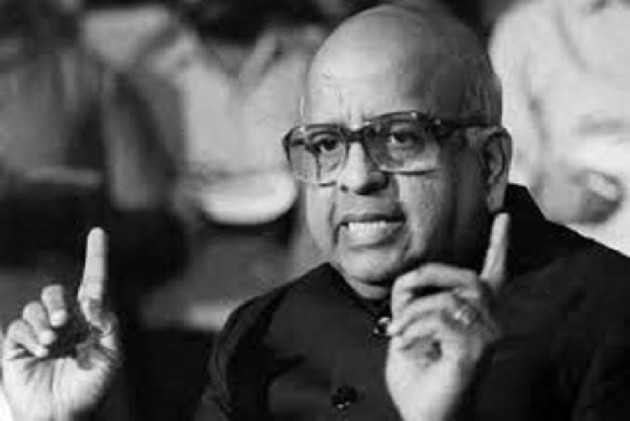 T N Seshan, Ex-Chief Election Commissioner & Poll Reformer, Passes Away