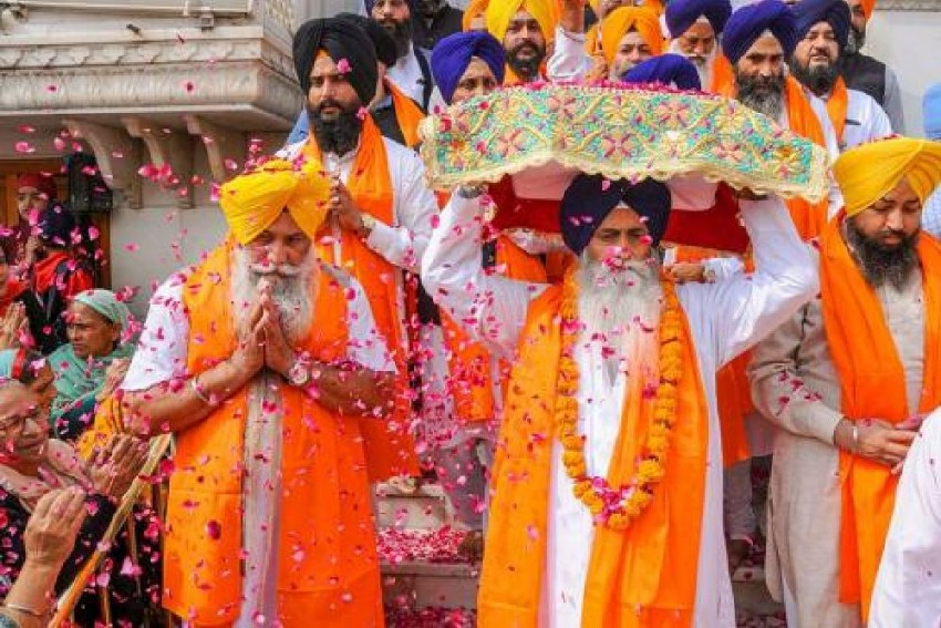 Devotees Throng Golden Temple On 550th Birth Anniversary Of Guru Nanak Dev