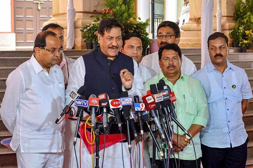 As MLAs Return To Mumbai, Congress Says Won't Allow 'Operation Lotus' In Maharashtra