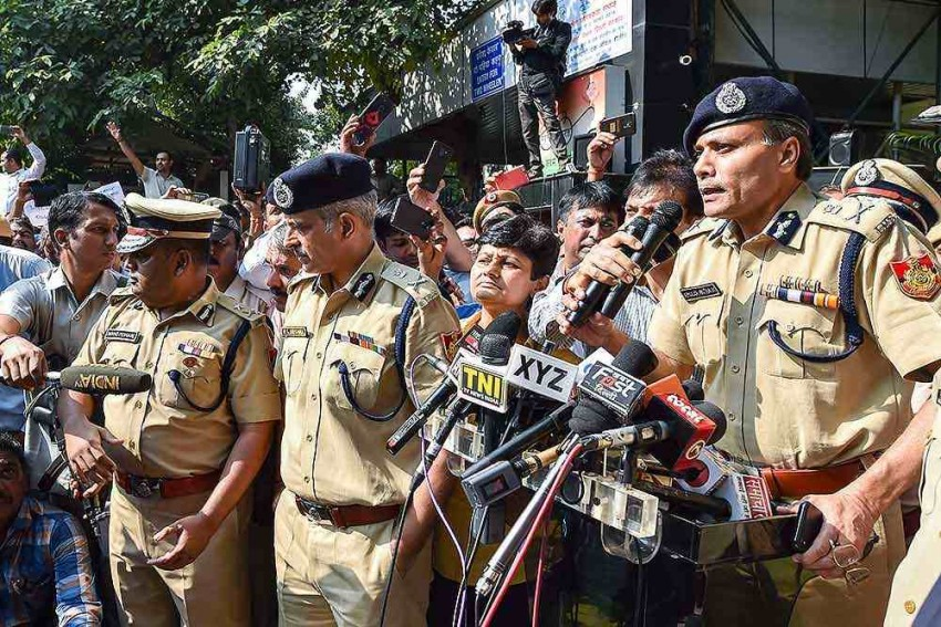 Delhi Police Resumes Work At Tis Hazari Court 2 Weeks After Clash With Lawyers