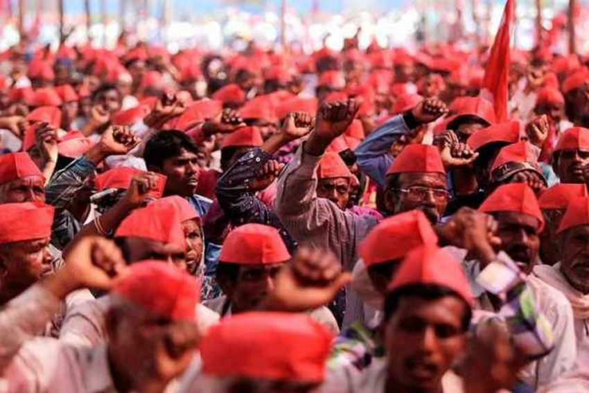Maharashtra Farmers, MLA Detained During Protest March To Raj Bhawan