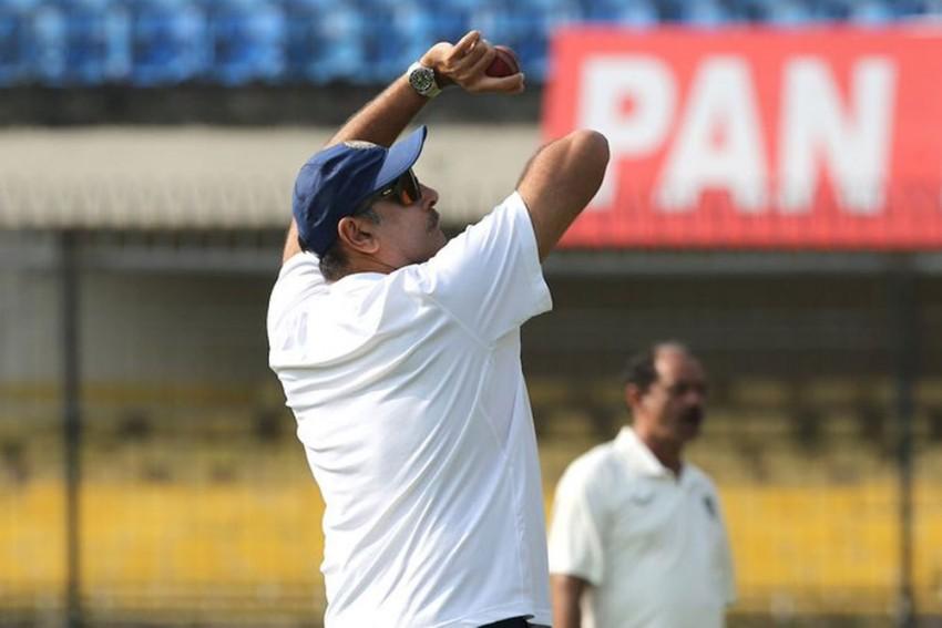 IND Vs BAN, Indore Test: Ravi Shastri's 'Old Habit' Comes Back To Haunt As Cricket Fans Troll Him Mercilessly